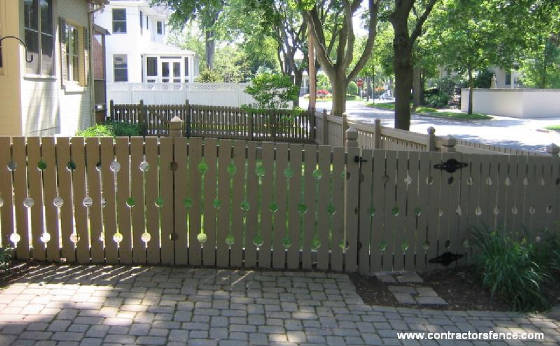 customholywoodfence.jpg